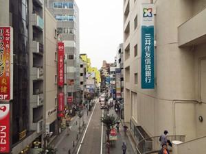 小田急デパート横の階段mini
